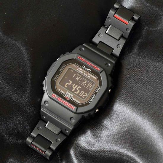 【画像】この腕時計をおっさんがつけたら、笑われる?