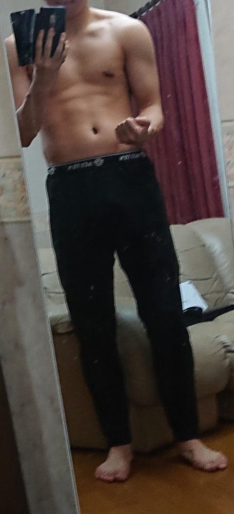 筋トレ初めて3か月たった俺の体を評価してくれ!!!!
