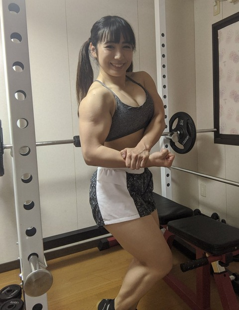 【朗報】才木玲佳さん(28)の筋肉、限界突破する