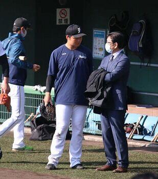 【朗報】栗山監督「なんか幸太郎はフニャンとなりそうじゃん」