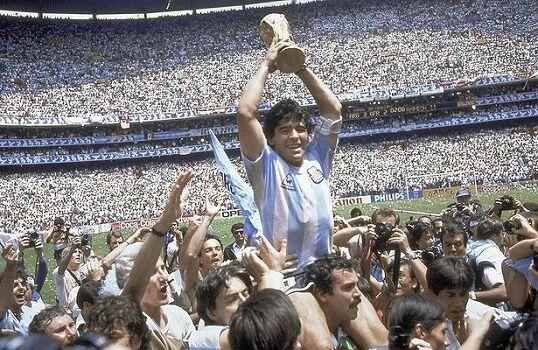 【訃報】サッカー元アルゼンチン代表のマラドーナ氏 死去