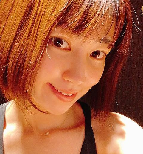 飯田圭織「近頃なんだかムキムキ」ボディメンテナンスで身体に変化