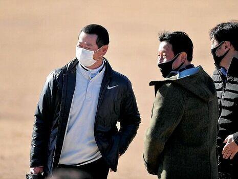 桑田コーチ「じゃあ皆さんキャッチボールしましょう、あ、無言でいいからね」
