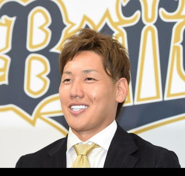 """オリックス吉田正""""6年目NPB野手最高額""""でサイン"""
