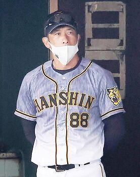 【悲報】阪神大山さん、今年も三塁を追い出される…
