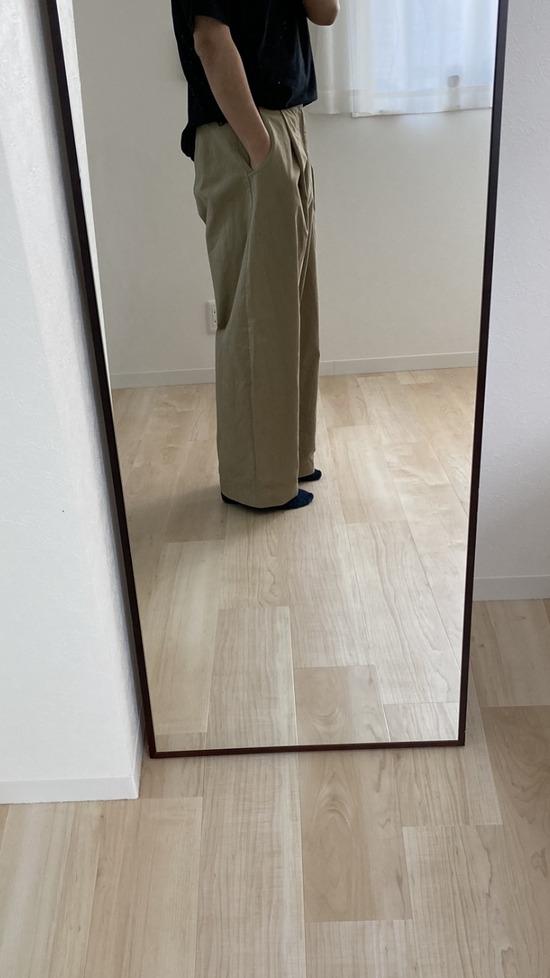 【画像】この太めのズボン貰ったけど普段はかないからコーディネートの仕方がわからない