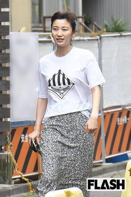 【悲報】朝倉未来の女こと小倉優香の服のセンスwwww