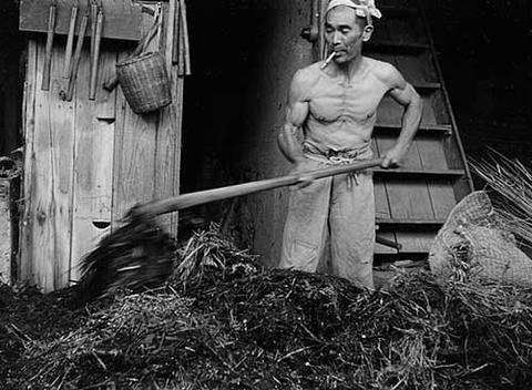 【画像】昔の農家、筋肉がヤバすぎるwwwwwwwww